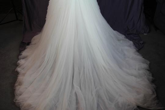 Pronovias Off White Morbido Tulle Barbara Traditional Wedding Dress Size 12 (L) Image 10
