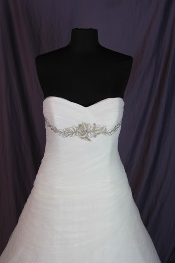 Pronovias Off White Morbido Tulle Barbara Traditional Wedding Dress Size 12 (L) Image 4