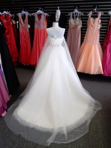 Alfred Angelo Disney Fairy Tale Style 220 Snow White Wedding Dress