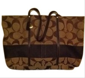 Coach Tote in tan/brown