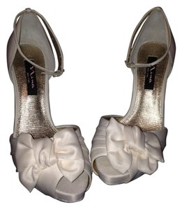 Nina 8.5 Bow Wedding Party New Formal