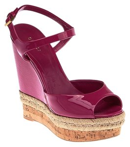 Gucci Leather Peep Toe Magenta Wedges