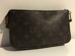 Louis Vuitton Pochette Accessoires Monogram Accessories Pouch Exbw-121805278017 Wristlet in Brown