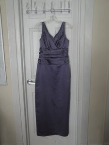 David's Bridal Purple / Lilac Polyester But Looks Like Satin 81047 Formal Bridesmaid/Mob Dress Size 8 (M)