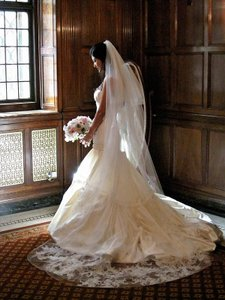 Vera Wang Ivory Dutchess Satin Bettina Formal Wedding Dress Size 8 (M)