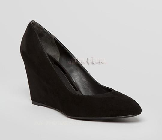 B Brian Atwood 8.5 Suede Pointed Toe Leather Almond Toe black Wedges