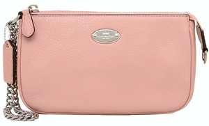 Coach coach LARGE WRISTLET 19 IN PEBBLE LEATHER (COACH F53340)