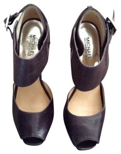 Michael Kors Dark brown leather Pumps