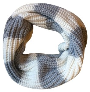 Aéropostale Grey and Cream Stripe Chunky Knit Infinity Scarf