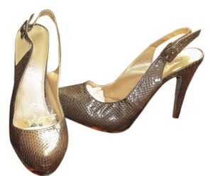 Colin Stuart Brand New Textured Brown Pumps