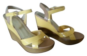 Nine West Yellow/Tan Wedges
