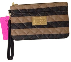 Betsey Johnson BJ32695P