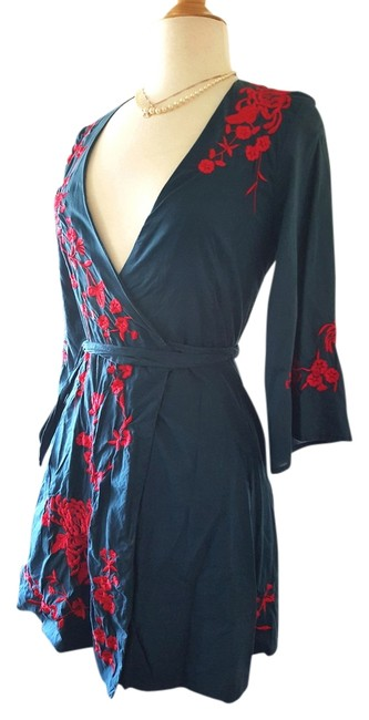 Item - Blue Embroidered Wrap Around Above Knee Short Casual Dress Size 6 (S)