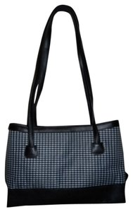 Maxx New York Tote in black & white