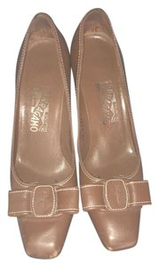 Salvatore Ferragamo Womens Iconic Bow light brown Pumps