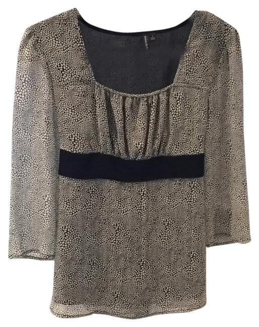Preload https://img-static.tradesy.com/item/8668294/essentials-by-milano-blouse-size-6-s-0-1-650-650.jpg
