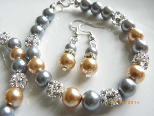 Grey Gold Of 7 Bridesmaid Bracelets and Earrings Jewelry Set Image 1
