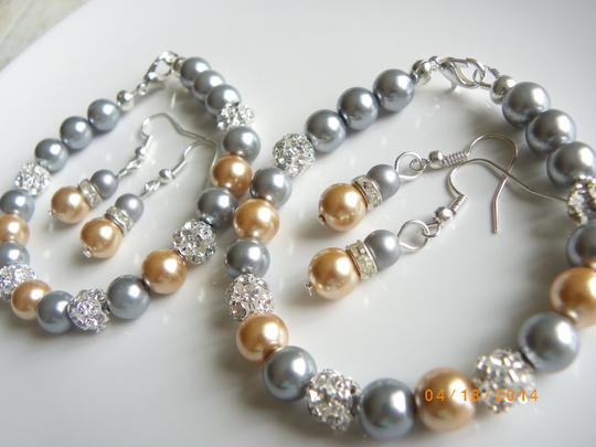 Grey Gold Of 7 Bridesmaid Bracelets and Earrings Jewelry Set Image 3