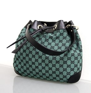 29a2699dcf5 Gucci New Made In Italy Drawstring Shoulder Bag