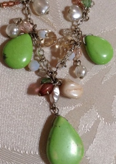 Other Vintage Green Glass Necklace Image 1