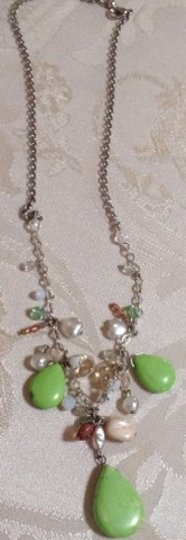 Other Vintage Green Glass Necklace Image 2