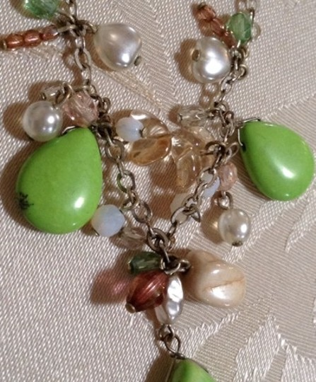 Other Vintage Green Glass Necklace Image 3