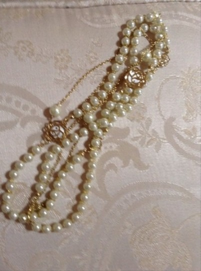 Other Vintage Pearl And Gold Roses Necklace