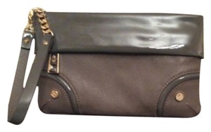 Simply Vera Vera Wang Wristlet in Gray