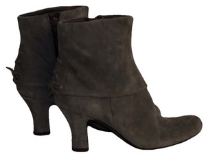 Naturalizer gray Boots