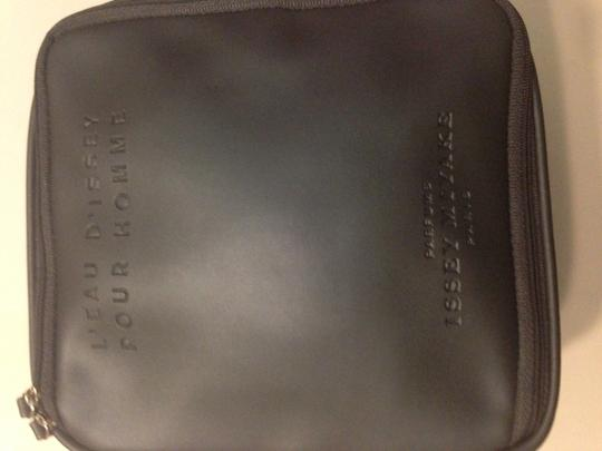 Issey Miyake Issey miyake homme travel accessories bag new without tag