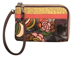 Fossil Wristlet in Tan