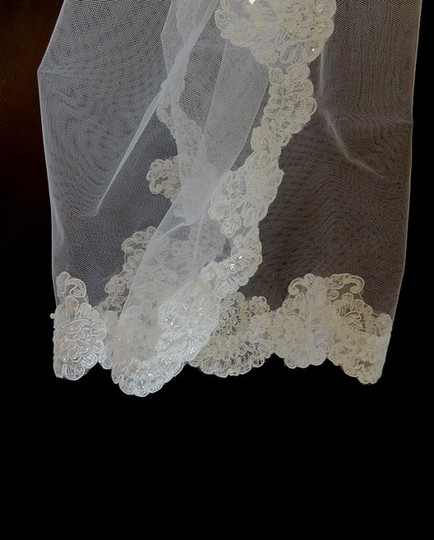 White Pearl Medium First Holy Communion and Lace Trim Bridal Veil