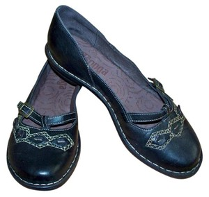 Tsonga Ulova Mary Jane Handmade Leather Black Flats