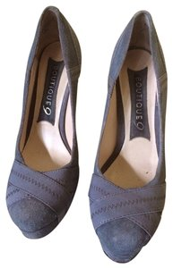 Boutique 9 Grey Pumps