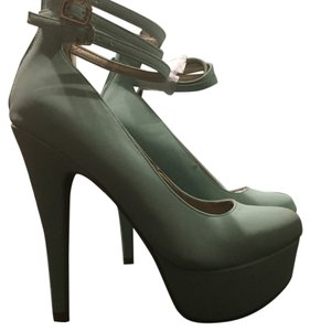 Charlotte Russe Mint Pumps