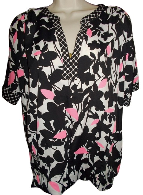 New York & Company Top Black floral