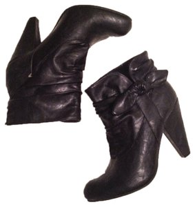 Kenneth Cole Unlisted Black Boots
