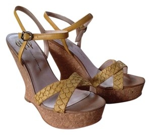 House of Harlow 1960 Snakeskin Leather Yellow Wedges