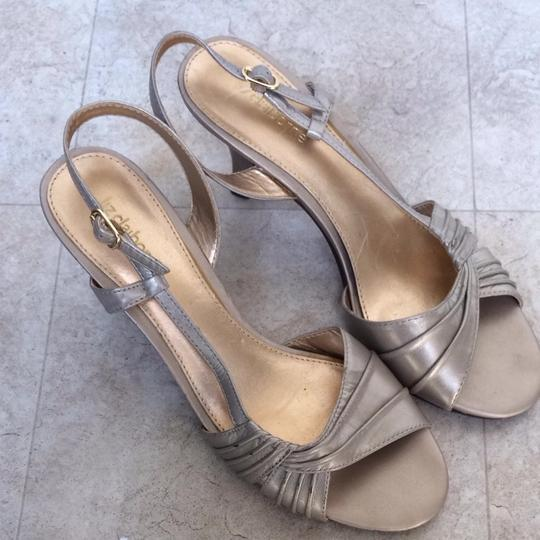 Liz Claiborne Gold Metallic Sandals