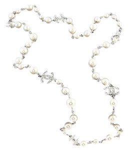 Chanel 2016 CHANEL Pearl 5 Crystal CC Logo Necklace in Gift Box Set