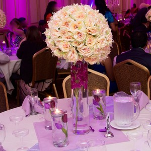 25+ Wedding Tabletop Flowerball Centerpieces Complete Set$1250 (price Negotiable)