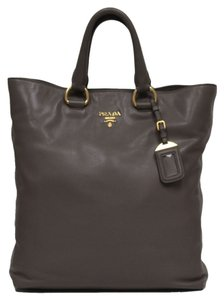 Prada Leather Bn1713 Tote in Taupe Brown