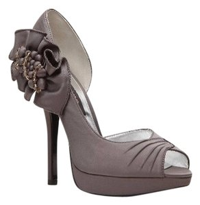 Nina Shoes Nine New York Peep Toe Pump Satin pewter Platforms