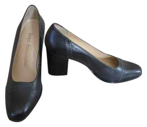 Enzo Angiolini charcoal gray Pumps