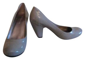 BCBGeneration light gray patent Pumps