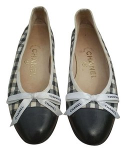 Chanel black & white Flats