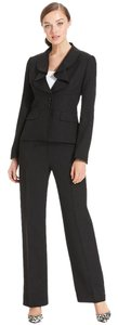 Le Suit Size: 14W Ruffle Collar Jacket & Pant 2-Piece Black Pantsuit