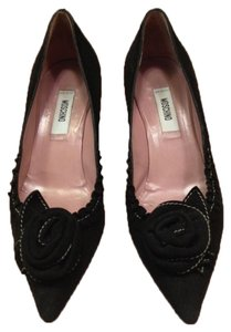 Moschino Black sued Pumps