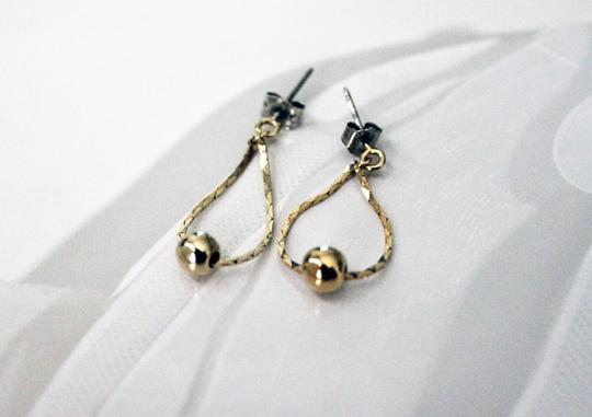 Gold Small Oval And Ball Drop Dangle Earrings. Gold Small Oval And Ball Drop Dangle Earrings.