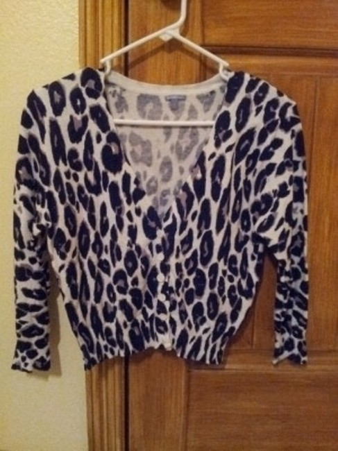 Preload https://item3.tradesy.com/images/charlotte-russe-white-leopard-cardigan-size-12-l-8737-0-0.jpg?width=400&height=650